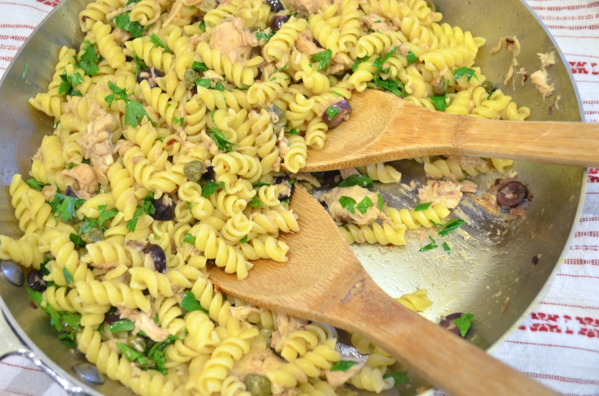 Gwyneth and Gavin's Pasta With Tuna, Olives, Fried Capers